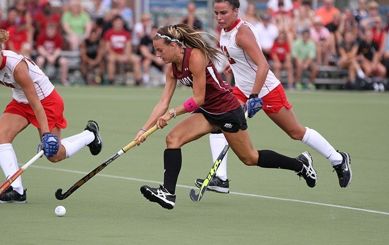 Four Goals by Amber Youtz Power 11th-Ranked Field Hockey Past Monmouth, 6-0