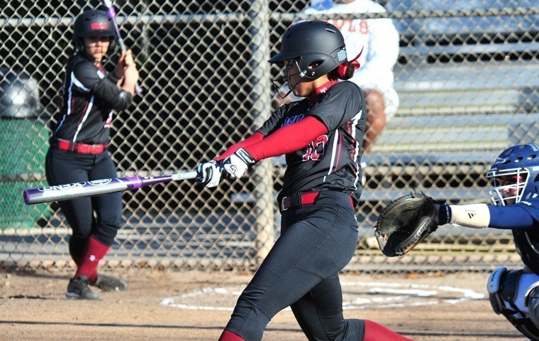 Softball Splits Twinbill with Rutgers; Loses 2-0 in Opener, Uses Longball For 14-6 Nightcap Victory
