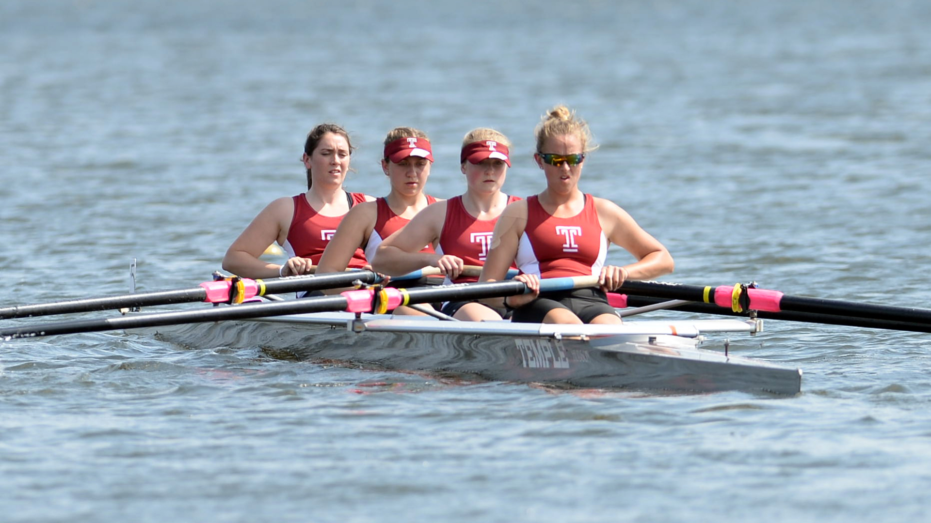 Women S Rowing Opens Season With Medals At Navy Day Regatta Temple University Athletics