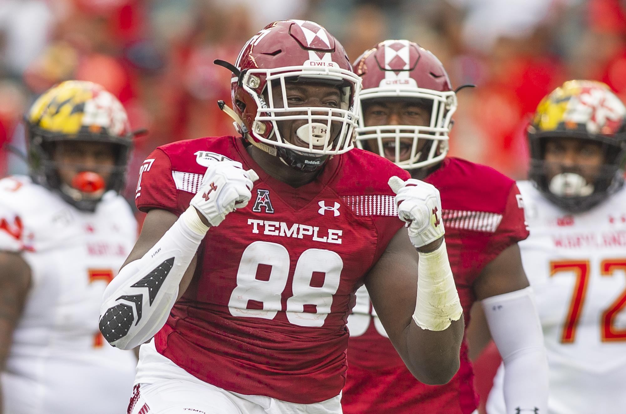 Football's Ifeanyi Maijeh Earns the Bednarik Award Player of the Week -  Temple University Athletics